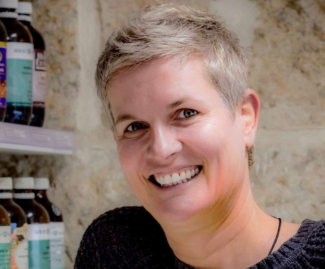 Daniela Osiander is an experienced sports therapist, naturopath and nutritionist. Her signature realistic style and highly effective massage treatments make her a very sought after practitioner.